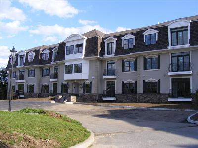Kent County Condo/Townhouse For Sale: 1404 - Bldg B South County Trl, Unit#214 #214
