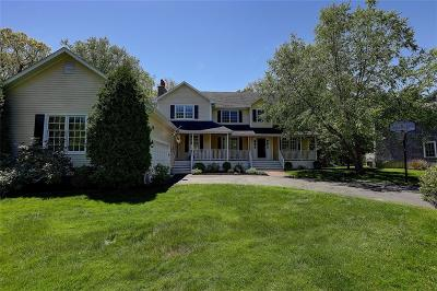Bristol County Single Family Home For Sale: 10 Woodhaven Rd