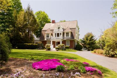 Bristol County Single Family Home For Sale: 139 Rumstick Rd