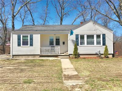 Warwick Single Family Home For Sale: 15 Lake St