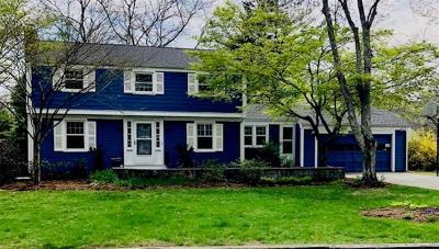 Bristol County Single Family Home For Sale: 3 Laurel Lane