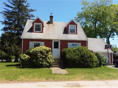 East Providence Single Family Home For Sale: 2 Yale Av