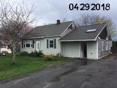 Bristol County Single Family Home For Sale: 40 Greenway Dr