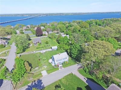 North Kingstown Single Family Home For Sale: 44 Top Hill Rd