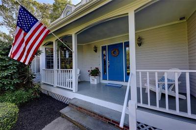 Bristol County Single Family Home For Sale: 18 Mallard Cove Wy