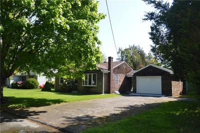 Bristol County Single Family Home For Sale: 4 Fernwood Rd