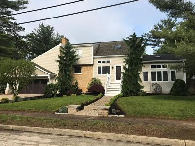 Kent County Single Family Home For Sale: 2 Eastgate Dr