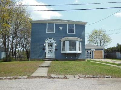 Providence County Multi Family Home For Sale: 27 Furlong St