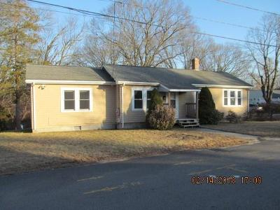 Kent County Single Family Home For Sale: 16 Brownlee Blvd