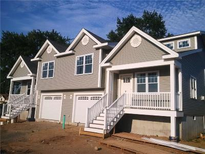 East Providence Condo/Townhouse Act Und Contract: 275 Massasoit Av, Unit#1 #1
