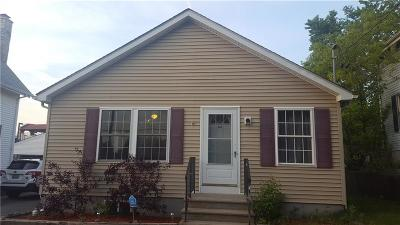 Pawtucket RI Single Family Home For Sale: $229,900