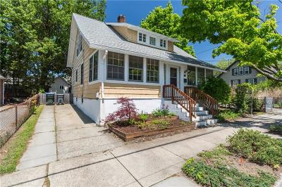 Providence RI Single Family Home For Sale: $265,000