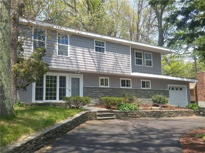 North Smithfield Single Family Home For Sale: 7 Hollow Rd