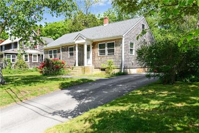 South Kingstown Single Family Home For Sale: 129 Willard Av