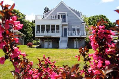 Portsmouth Single Family Home For Sale: 0836 Narragansett Av
