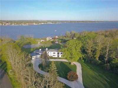 Bristol Single Family Home For Sale: 165 Poppasquash Rd