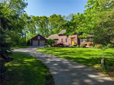 Little Compton Single Family Home For Sale: 28 Oak Forest Dr