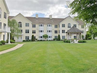 North Kingstown Condo/Townhouse Act Und Contract: 15 Saw Mill Dr, Unit#204 #204