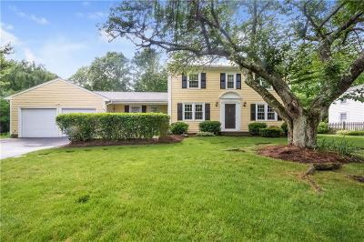 Bristol County Single Family Home Act Und Contract: 15 Starbrook Dr