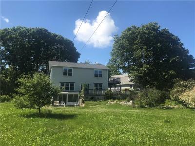 Newport County Single Family Home For Sale: 39 Merrill Lane