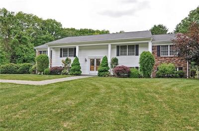 East Greenwich Single Family Home For Sale: 1365 High Hawk Rd