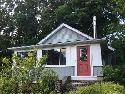 Johnston Single Family Home For Sale: 2505 Hartford Avenue Av