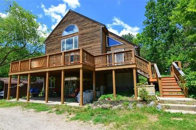Kent County Single Family Home For Sale: 85 Vaughn Hollow Rd