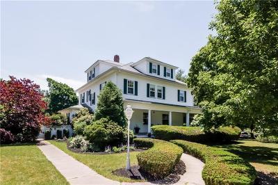 Kent County Single Family Home For Sale: 70 Kirby Av