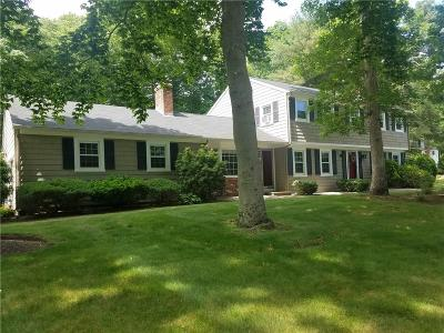 East Greenwich Single Family Home For Sale: 5 Teakwood Ct