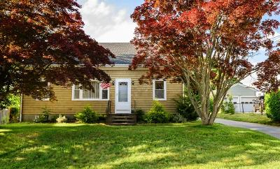 Newport County Single Family Home For Sale: 222 Canonicus St