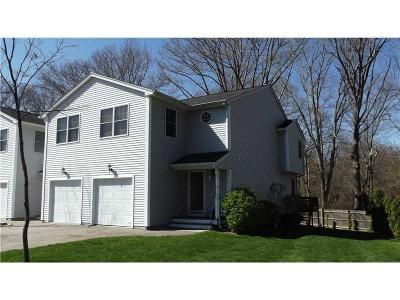 South Kingstown Condo/Townhouse Act Und Contract: 120 Rocky Brook Wy