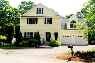 Cumberland Single Family Home For Sale: 35 Old West Wrentham Rd