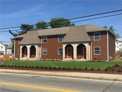 Woonsocket Condo/Townhouse For Sale: 992 Park Av, Unit#3 #3