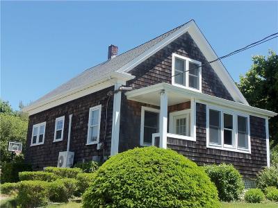Newport County Single Family Home For Sale: 39 Vanicek Av