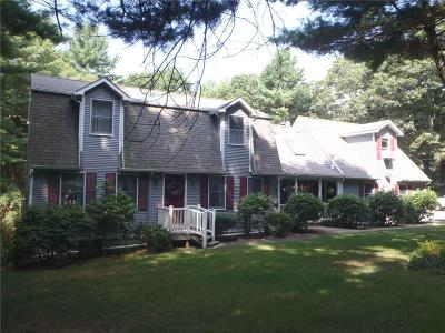 Cranston Single Family Home For Sale: 761 Laten Knight Rd
