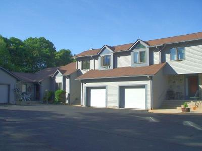 South Kingstown Condo/Townhouse For Sale: 18 Acorn Ct, Unit#f2 #F2