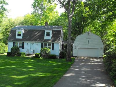 South Kingstown Single Family Home For Sale: 104 Westwind Rd