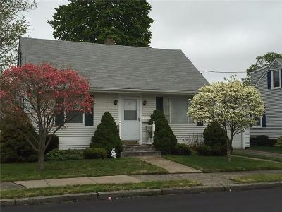 Pawtucket Single Family Home For Sale: 27 Ruth St