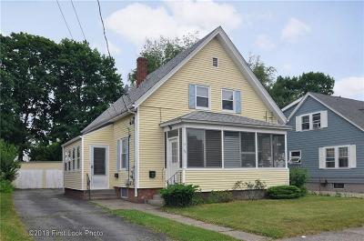 Pawtucket Multi Family Home For Sale: 31 Oswald St
