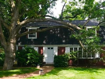 Bristol County Single Family Home For Sale: 4 Stratford Rd