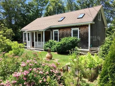 South Kingstown Single Family Home Act Und Contract: 53 Christopher St