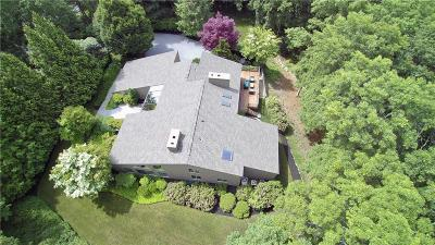 East Greenwich Single Family Home For Sale: 6 Quail Ct