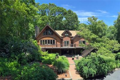 South Kingstown Single Family Home For Sale: 201 Congdon Dr