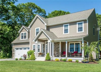 North Kingstown Single Family Home For Sale: 16 Fields End Rd