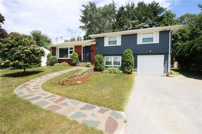 Cranston Single Family Home For Sale: 85 Sheffield Rd