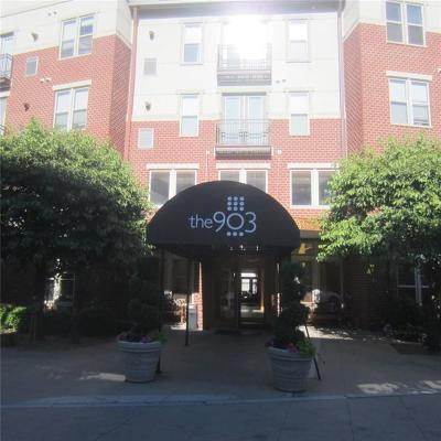 Providence RI Condo/Townhouse For Sale: $244,900