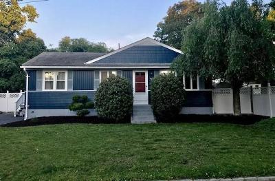 Cranston Single Family Home For Sale: 60 Imperial Av