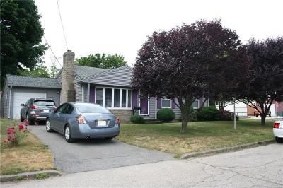 East Providence Single Family Home For Sale: 18 Diana Dr