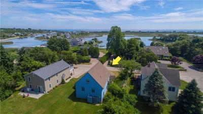 Westerly Single Family Home For Sale: 19 Cove Rd