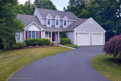 Cranston Single Family Home For Sale: 35 Sparrow Lane
